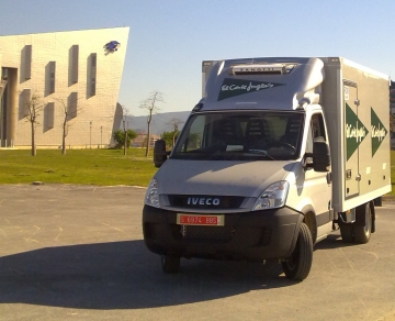Vehiculo Iveco Daily con carrocería Mago multitemperatura